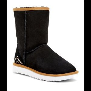 NWT UGG Classic Suede Shearling Short Rustic Boots